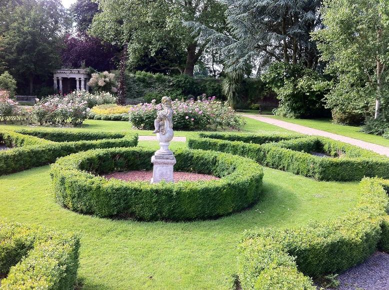 Walled Garden, Sunbury